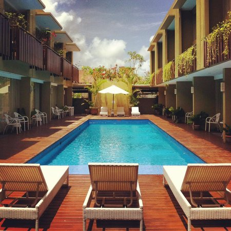 Devata Suites and Residence : Swimming pool