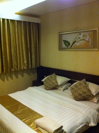 Devata Suites and Residence : Master room