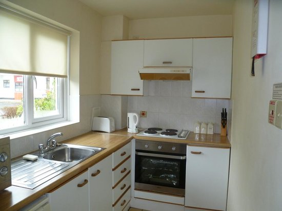 Silvercliffs Holiday Park: Well equipped kitchen