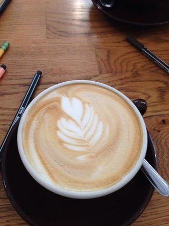 La Boite a Cafe by Mokxa: foamy