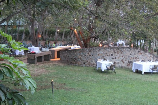 The Plantation Lodge & Safaris: Lovely terrace for outside dining.