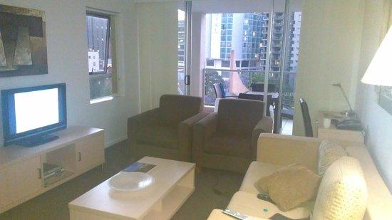 Oaks Lexicon Apartments : Room