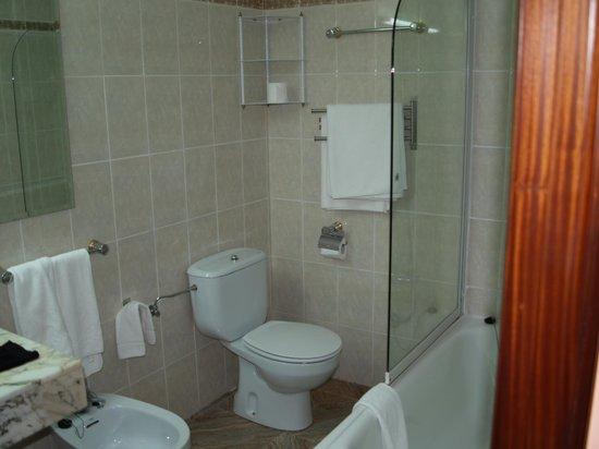La Arquera Hotel: bathroom