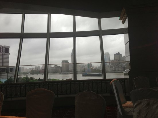 Oriental Riverside Hotel: view from breakfast room
