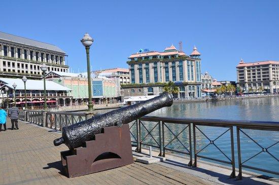 Waterfront picture of le caudan waterfront port louis - Restaurants in port louis mauritius ...