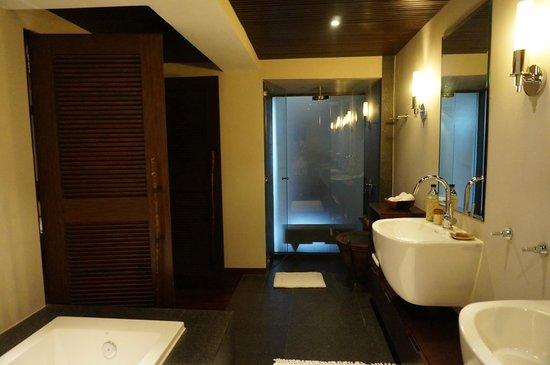 Abaca Boutique Resort: Bathroom