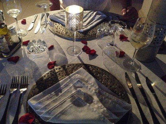 Riad Aguaviva: Dinner on the rooftop terrace at Aguaviva