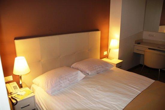 Hotel Jadran Zagreb: View from room