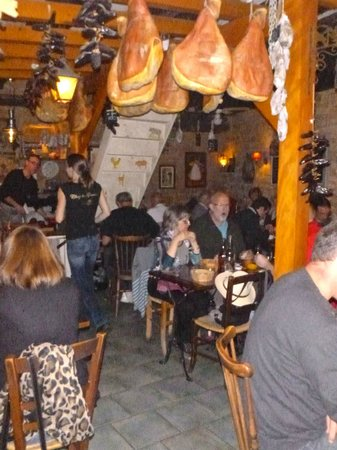 Chez Le Gaulois : Inside view