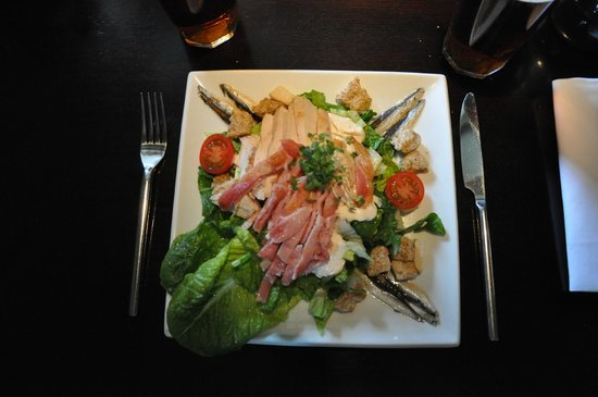 The Hart of Harwell: An outstanding Chicken Caesar salad at the Hart.