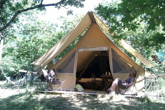 C&ing Village Huttopia Dieulefit Safari-style tent at Huttopia - luxurious c&ing! & Safari-style tent at Huttopia - luxurious camping! - Picture of ...