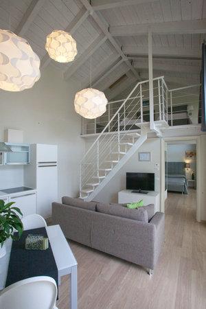 AppartaHotel Residence : soggiorno trilocale