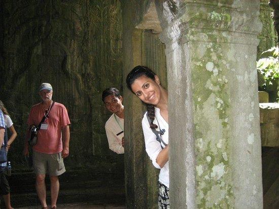 Chhayakim Private Angkor Wat Tours: Photo bomb