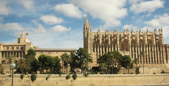 Playa de Palma El Arenal : Cathedral