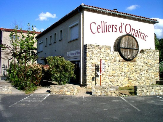 Olonzac, France: getlstd_property_photo