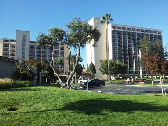 Santa Clara Marriott: Hotel outside