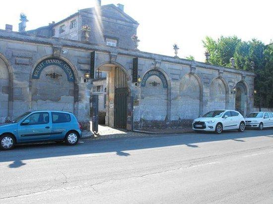 Logis Du Saulnier : On arrival, your entrance