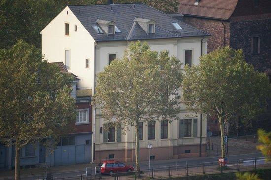 """Hotel Villa Marstall: Vista dell'Hotel dalla """"passeggiata dei filosofi"""""""