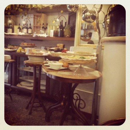 Caffe Novecento: Nice setting