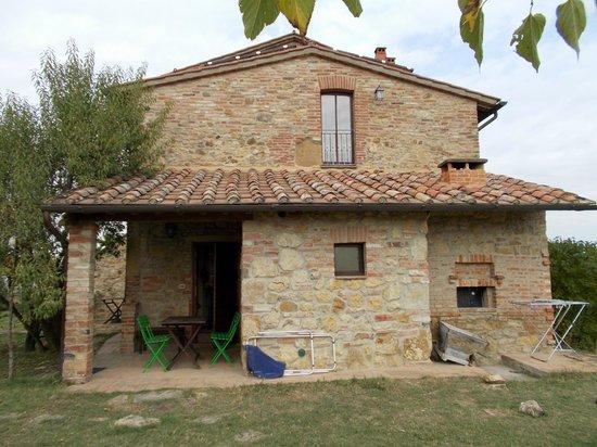 Agriturismo La Falconara: Entrance to the apartment