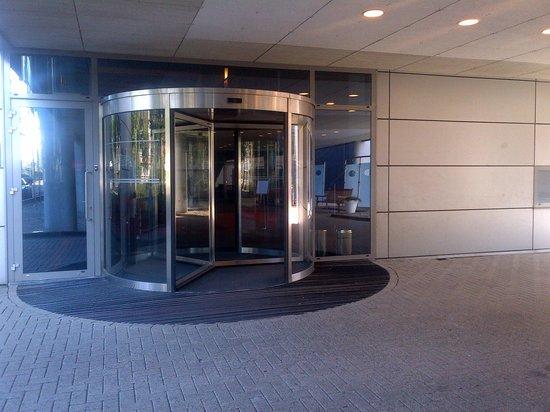 Best Western Plus Grand Winston Hotel: Hotel Entrance