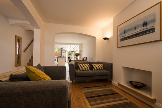 Oakfield Court Apartment Hotel: Number Sixteen Lounge