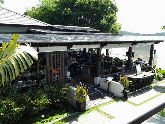 Sareeraya Villas & Suites: Breakfast area