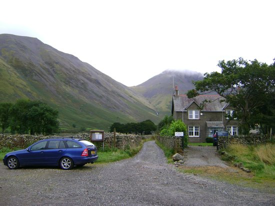 Lingmell House : View from car park