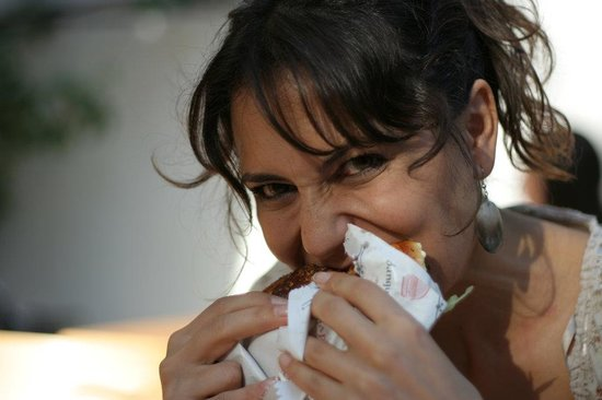 Ohannes Burger: Eating Burges
