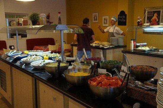 Monta Verde Hotel & Villas : Breakfast buffet