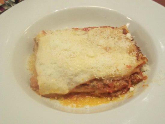 Carluccios - Cambridge: Yum - my lasagne