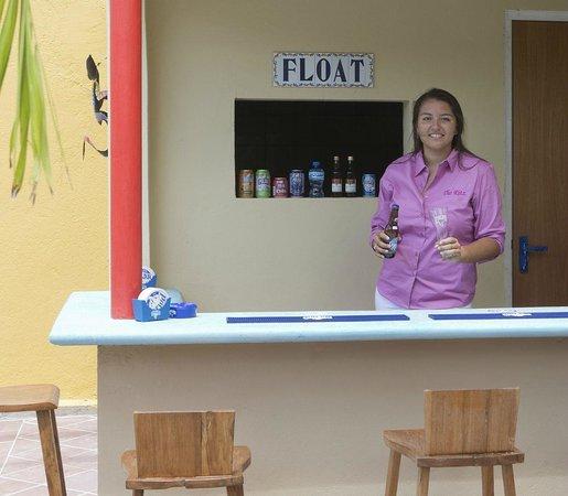 The Ritz Village Hotel: Pool bar