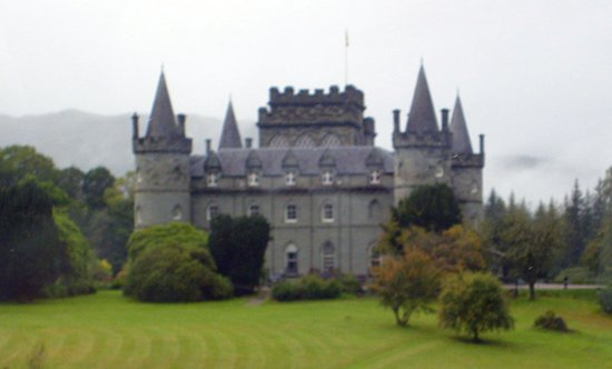 Arrochar, UK: Invarary Castle