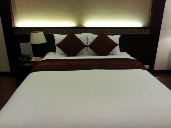 La Belle Vie Hotel: Bed