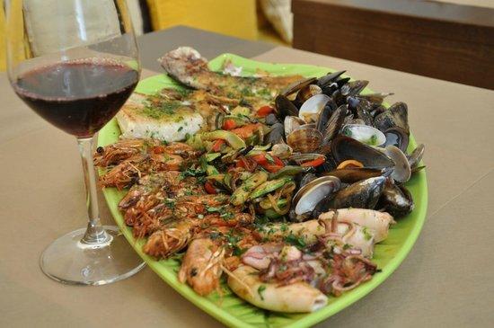Restaurant Sa Casa : Parrillada de pescado y marisco para 2 personas