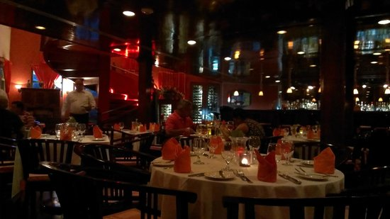 Restaurant Carambola Seafood & International Cusine: A view of the atmosphere