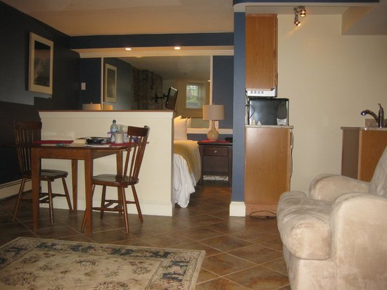 Copley House: Room 202