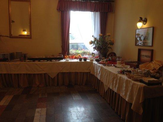Polonia Hotel: 朝食会場