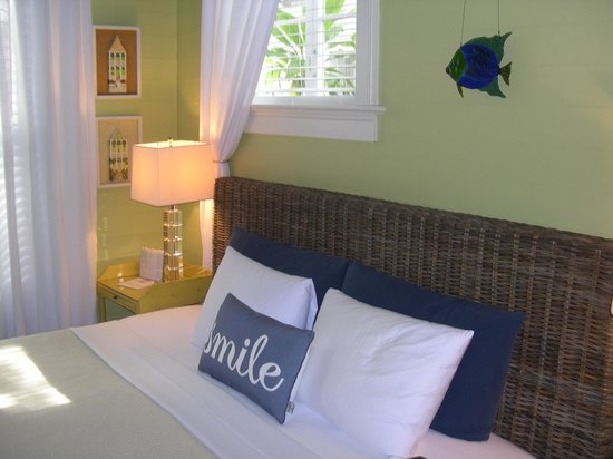 The Mermaid & The Alligator: our room