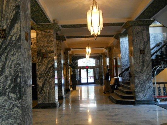 Colcord Hotel: The very impressive Lobby area