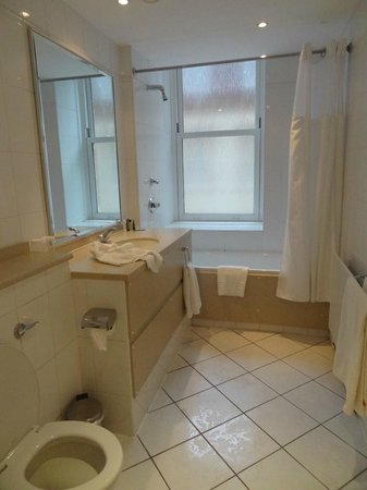 Hilton Brighton Metropole: salle de bains