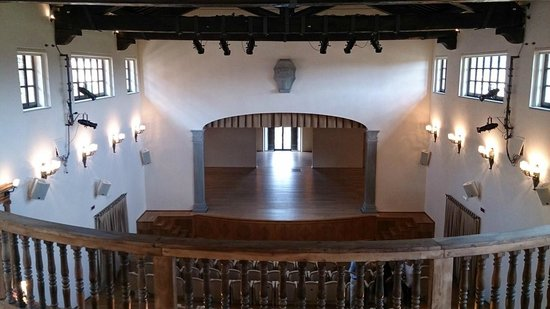 Solomeo, Italie : Theater