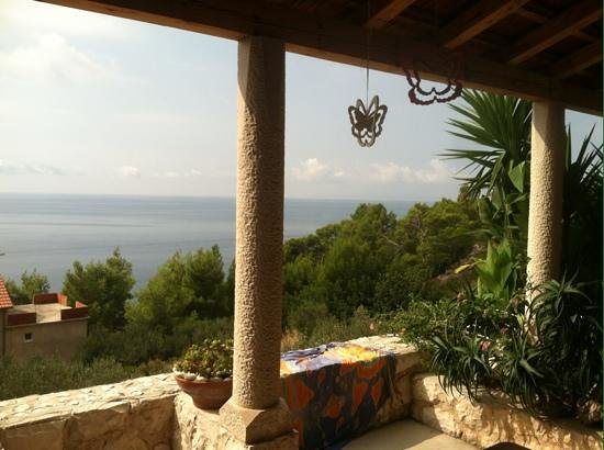 Villa Perka: villa view, the scents of the sea, lavender and rosemary in the air