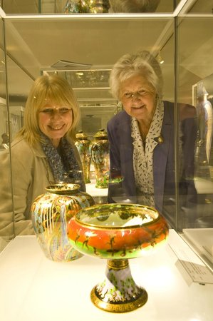 Wedgwood Museum: Viewing Fairyland Lustre
