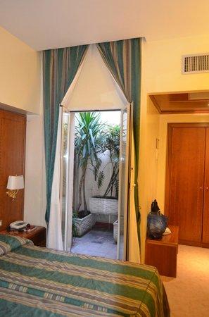 """Hotel Lazio: вид на """"балкон"""""""