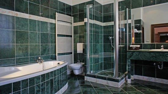 Grand hotel praha 161 1 7 0 updated 2018 prices for Grand hotel bohemia prague reviews