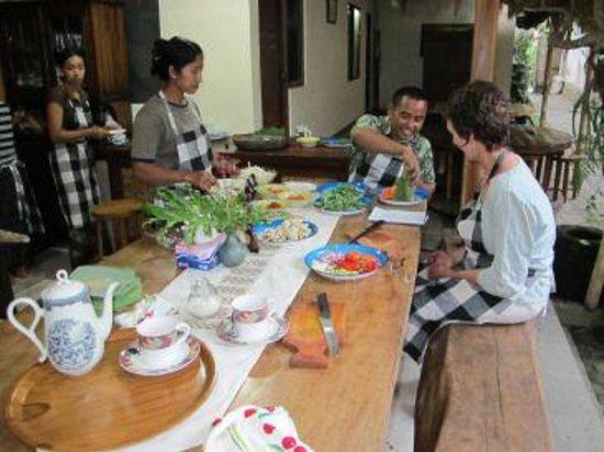 Alam Sari: Cooking class with Dewa and Jero