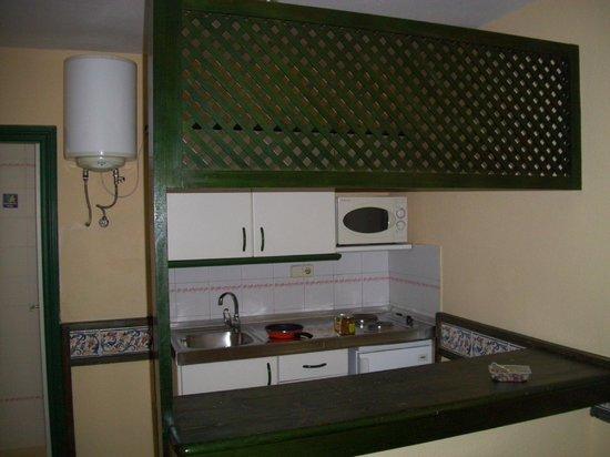 Apartmentos Puerto Caleta: cucina