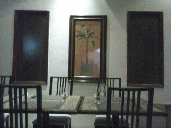 Embaixador : Vista parcial da sala refeições