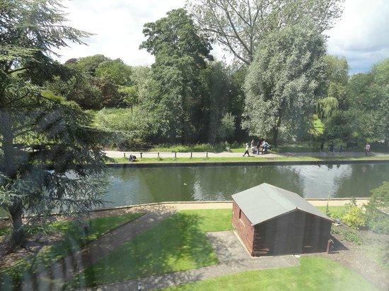 Doubletree by Hilton Cambridge City Centre: vue de la king balcony river view